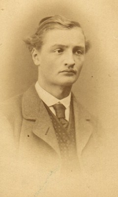 Olof-Strindberg-1853-1943-nät-240x400